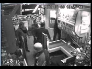 охрана в магазине против скинов 3х3