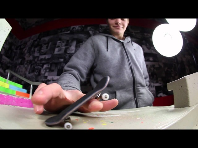 Hello by Berlinwood An Oliver Blankenburg Welcome Video