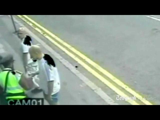 Poliziotto colpito in pieno volto da un calcio di muay thai