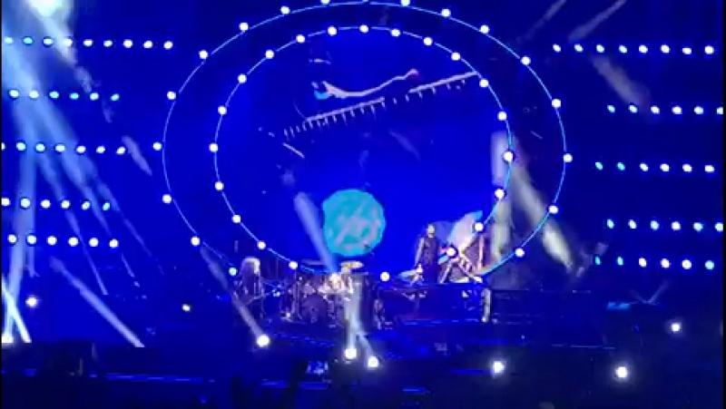 Queen and Adam Lambert in TLV🤘🎸🎤