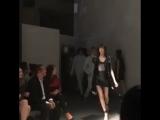 Зейн и Джиджи на модном показе Versace, 17 сентября