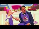 Девочка испугалась телевизионного крана Это динозавр! 09.04.2017