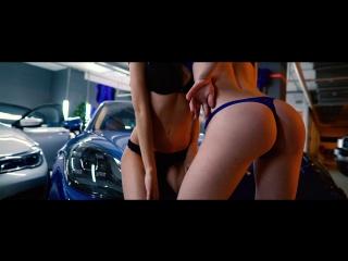 CARBASE знает, как сделать из вашего авто магнит для красивых девушек.