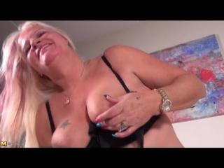 Big belly granny fucks her dildo lustily - granny porn