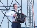 P1380992. Баянист - виртуоз Михаил Кузьмин ..