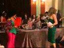 Martina Stoessel junto a Angela Torres actuando en Patito Feo de pequeñas.