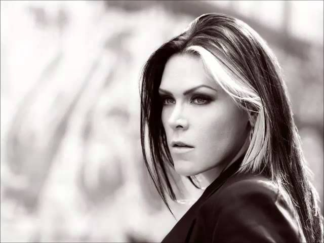 BETH HART'S THE BEST