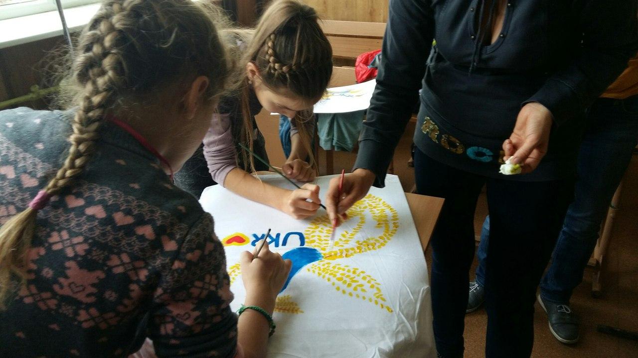 Харківські школярі влаштують благодійній аукціон допомоги бійцям АТО - фото 2