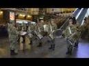 Флешмоб Киев Вокзал Марш нової армії Барабанщики 1080p Київ Гімн ОУН
