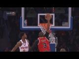 Dwyane Wade One-Handed Jam  Bulls vs Knicks  January 12, 2017  2016-17 NBA Season