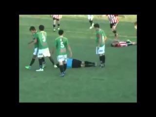 Убийство футбольного арбитра во время матча в Мексике