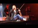 David Garrett stimmt seine Geige
