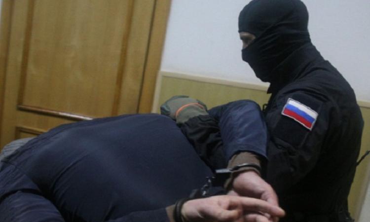 В Карачаево-Черкесии полицейскими задержан местный житель с героином и оружием