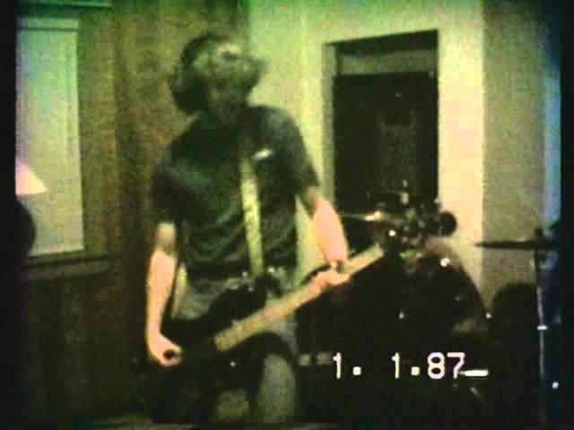 Nirvana live at Krist's mother's house 1988 (Aberdeen Washington) Part 1/2