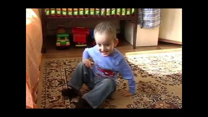 Штаб Рината Ахметова помогает трехлетнему Даниилу Пухлику из Енакиево
