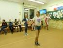 Танцуют Арина с Ксюшей))