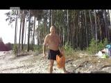 Юрий Гальцев убирает мусор на Голубых озерах за отдыхающими