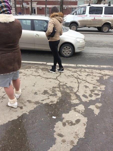 Девушка в 12:13 была на остановке села в 12 троллейбус , очень понрави