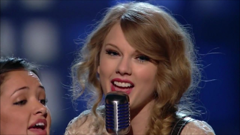 Taylor Swift - Mean (Live at ACM Awards 2011)
