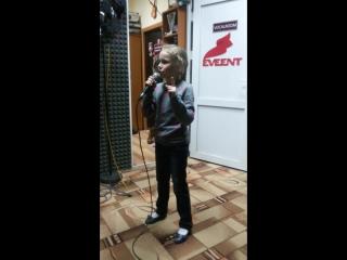 Это я в студии Р-рекордс