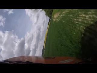 Камера отвалившись с ралийного авто засняла эффектный кадр во время аварии.