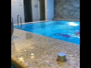 Русалки атаковали бассейн