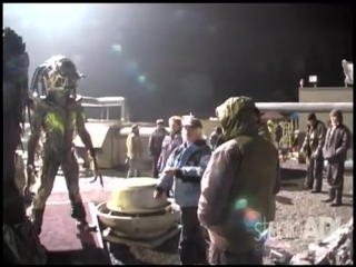 AVPR Predator Vs Pred-Alien Rooftop Fight