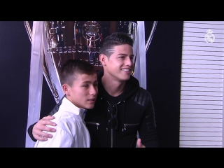 Johan, the Angel boy who helped rescue teams to the Chapecoense plane crash, meets his idols