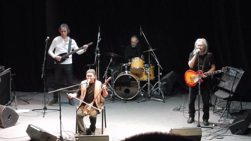 Альберт Кувезин и Yat-Kha, Концертный зал ЦДХ, Москва, 25.02.2017г.