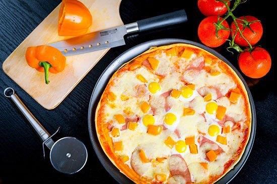 Пицца с яйцами рецепт с фото