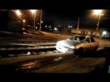 На видео попала спецоперация по спасению трамваем иномарки из ямы в Волгограде