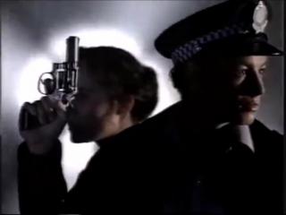 Саймон и Ребекка в эпизоде 318 Е_Стрит