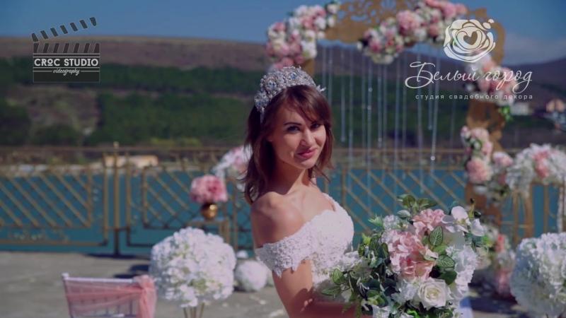 Крылья рекламный проект соместно с Максимом Терещенко и салоном- Невеста, Праздничной атмосферой, и гостиничный комплекс -