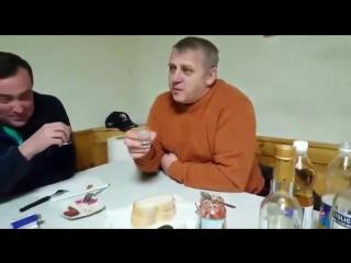 Мужик говорит Хороший тост Про правосека...