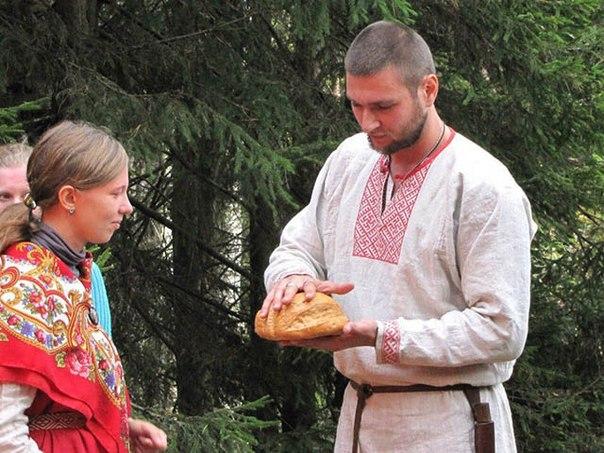 Славянский обряд — призыв духа рода своего