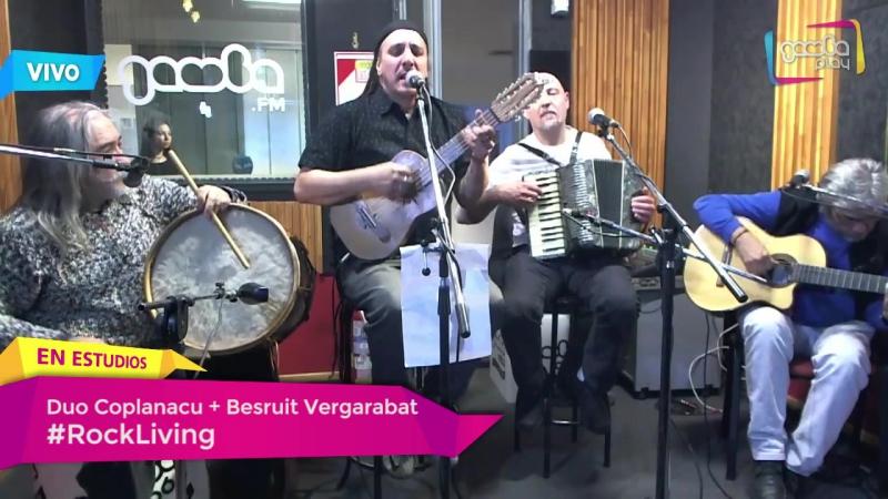 BERSUIT DÚO COPLANACU Agitando Pañuelos Vivo en Gamba