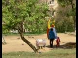 Вместо детской площадки и деревьев в одном из дворов посёлка Солнечный хотят построить стоянку на сто мест.