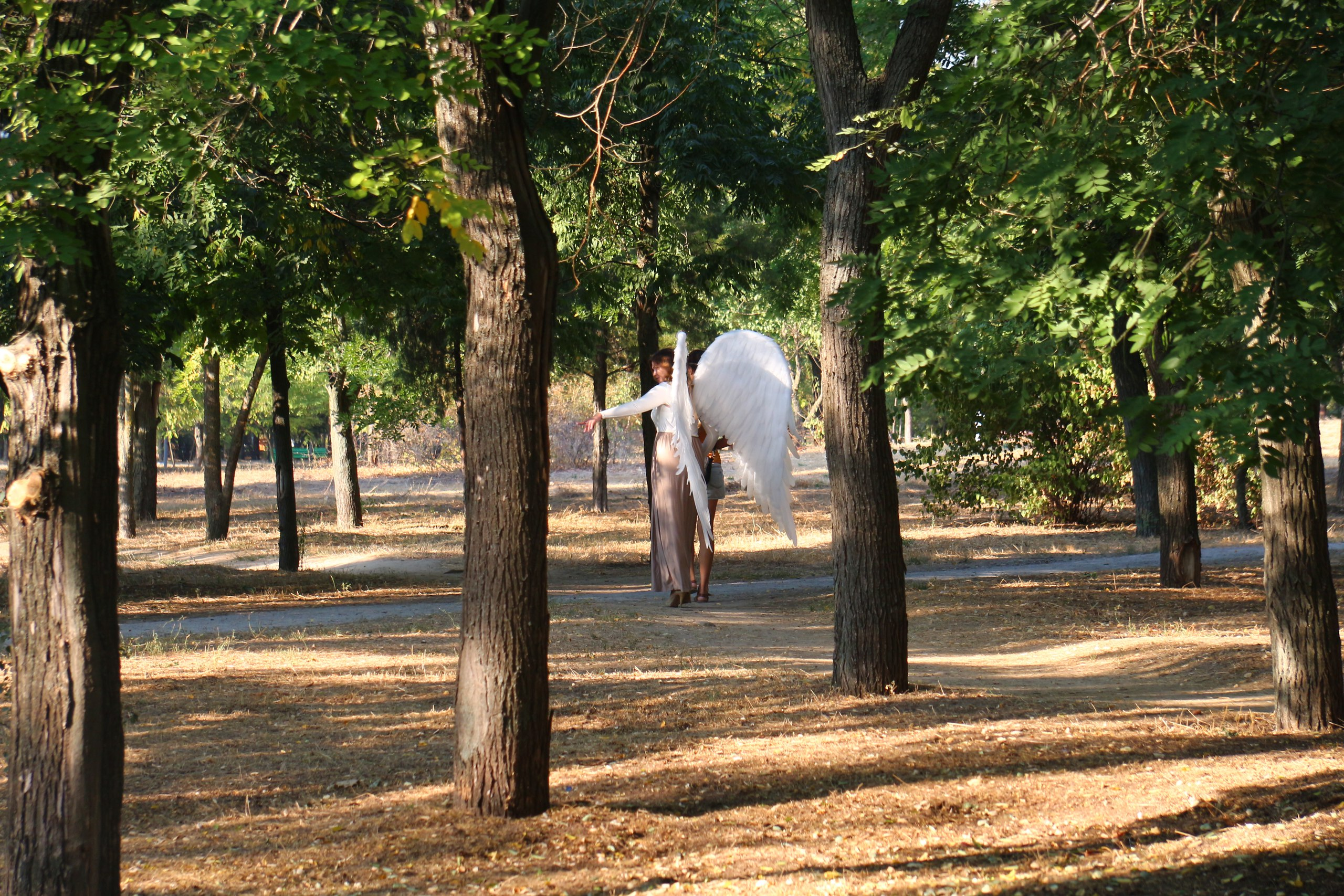 В центре Херсона ходил ангел (фото)