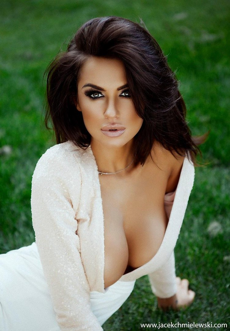 August ames better than chocolate pic set
