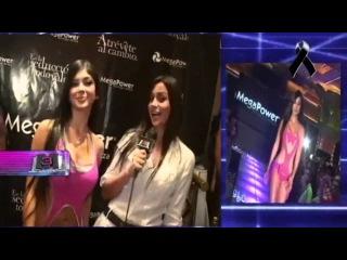 Desfile Mega Power 2010 con las mejores modelos colombianas ::: M3