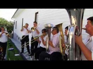 Fanfara la nunta la Voloca 2 - YouTube