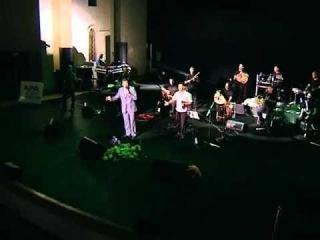 Adalet Sukurov ft Vuqar (Адалят Шукюров)- Aciq Qapi (Yasil Teatr Solo Konsert)..avi