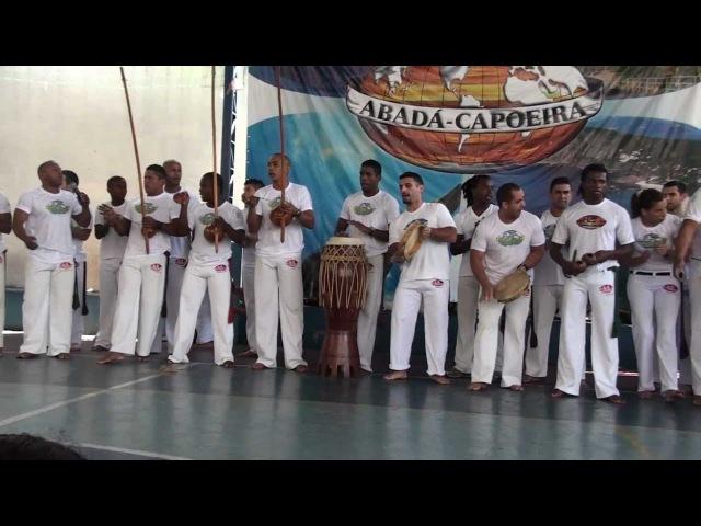 ABADÁ Capoeira - Saltos, Floreios e Golpes