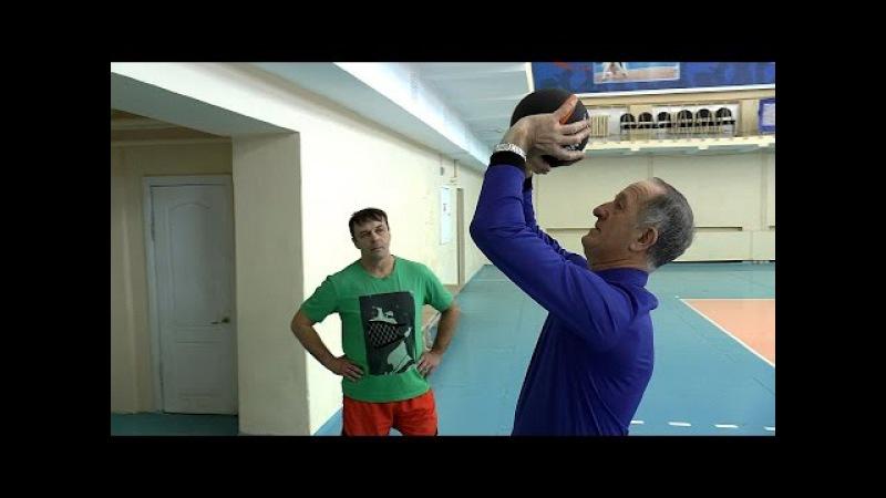 Передача сверху. Обучение волейболу взрослых » Freewka.com - Смотреть онлайн в хорощем качестве