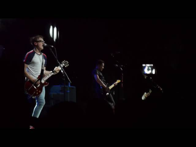 McFly End Of The World Party Girl. Manchester - 14th September 2016. HD.