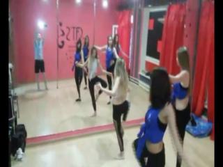 #тренерАннаЛев - стрип пластика в Димитровграде - Anna Lev - Plastik Dance - фитнес - стретчинг