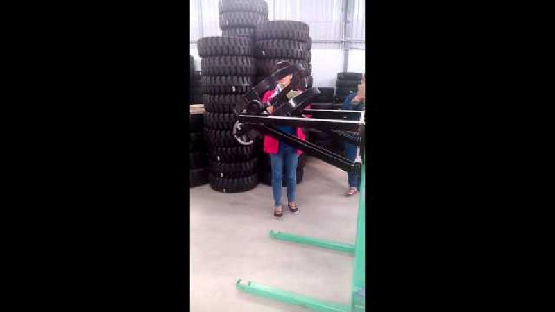 Xe nâng quay đổ phuy, xe nâng phy hiệu OPK công nghệ Nhật Bản, lắp ráp tại Malaysia