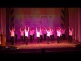 Общий танец детей и учителей на юбилее лицея