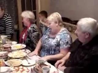 собрались три женщины))) руская, НЕМЕЦ))) и полячка)))))) с первых слов мокрый)))
