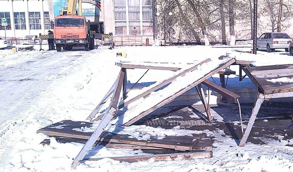 В станице Зеленчукской разбили новогоднюю сцену
